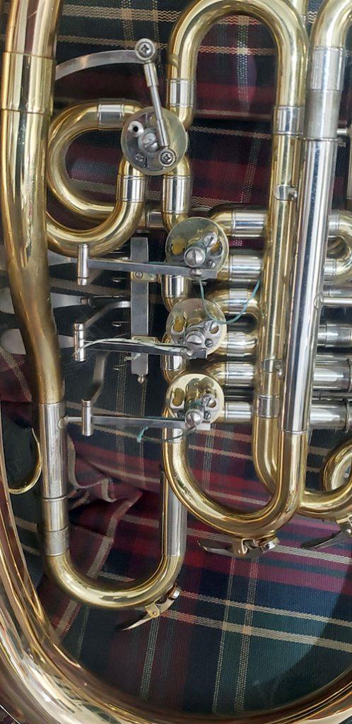 Wagner tuba frozen valves